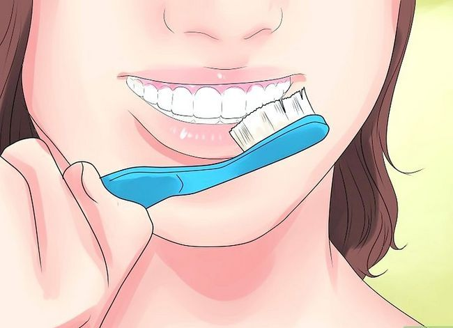 Titel afbeelding Alleviate Orthodontic Brace Pain Step 14