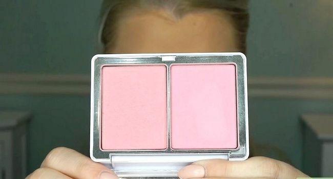 Titel afbeelding Apply Makeup Like Barbie Step 15