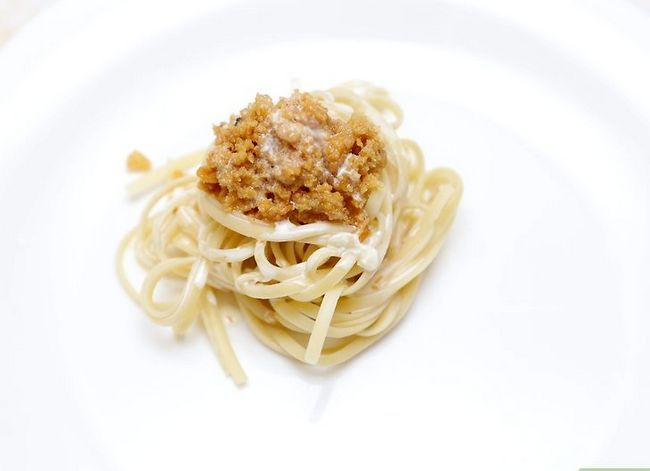 Titel afbeelding Cook Pasta With White and Red Sauce Finish