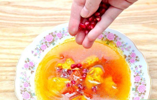 Titel afbeelding Eat a Pomegranate Step 9