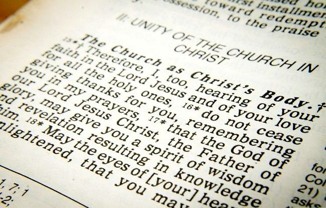 Titel afbeelding Become a Pentecostal Christian Step 1Bullet1