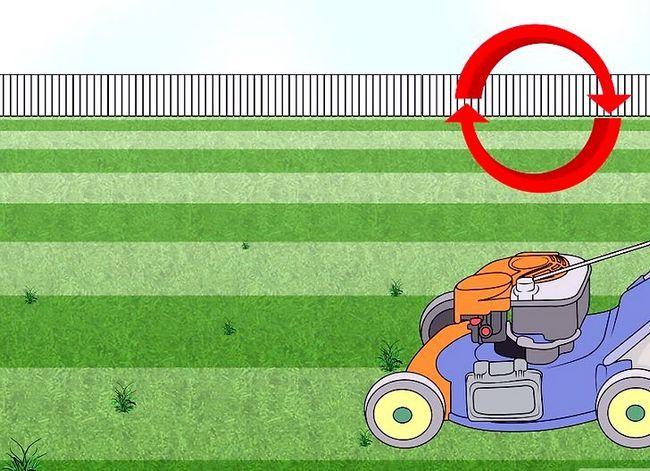 Titel afbeelding Mow a Lawn Step 10