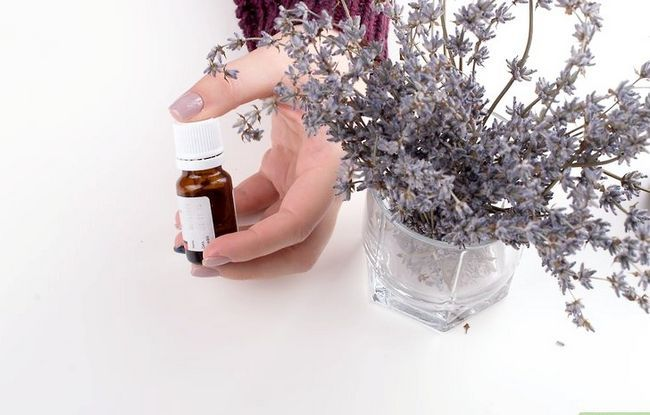 Titel afbeelding Create a Steam Facial with Essential Oils Step 2