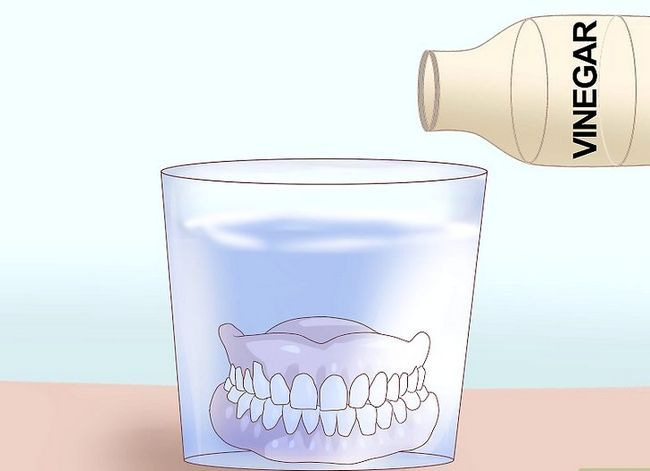 Titel afbeelding Care for Your Dentures Step 17