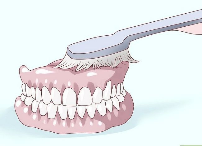Titel afbeelding Care for Your Dentures Step 6