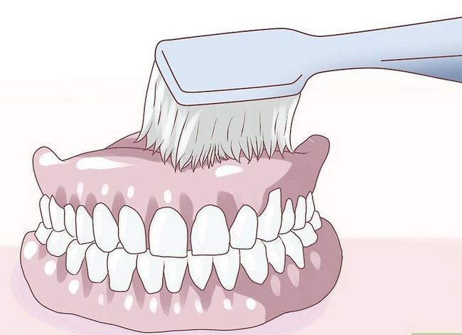 Titel afbeelding Care for Your Dentures Step 10