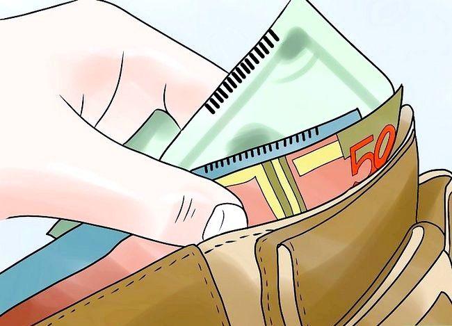 Titel afbeelding Tip a Bartender Properly Step 2