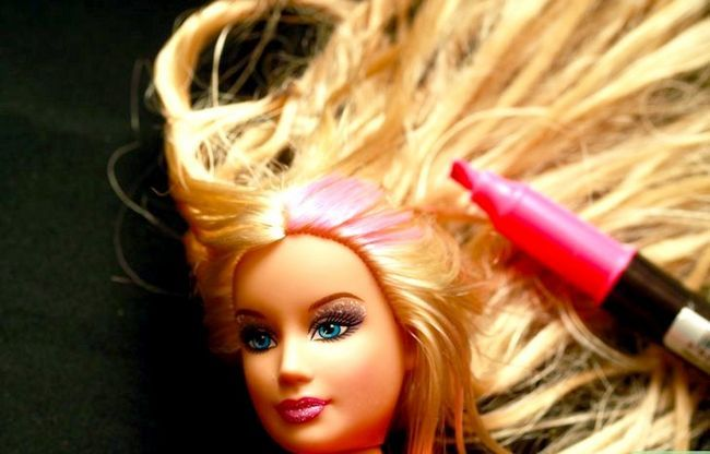 Titel afbeelding Give a Barbie to Makeover Step 6