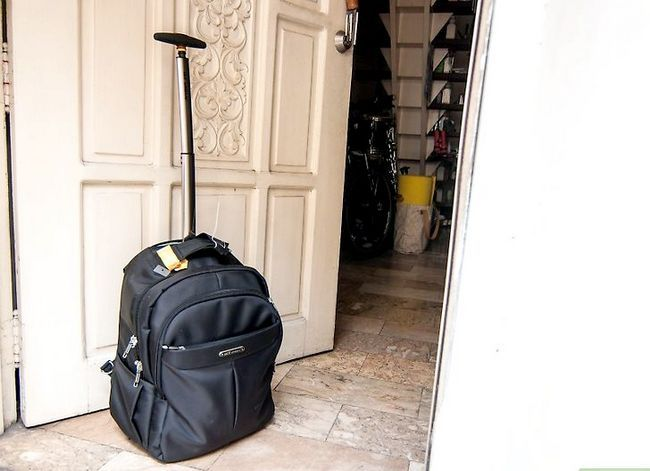 Titel afbeelding Tell Your Parents You`re Moving out of Home Step 3