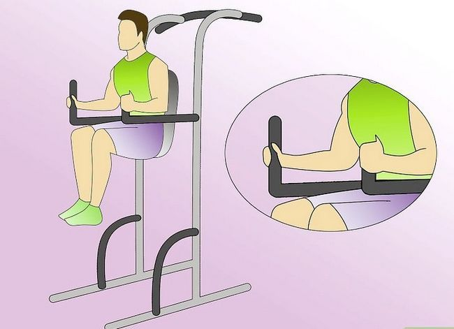 Titel afbeelding Work Abdominals With the Captain`s Chair Step 1