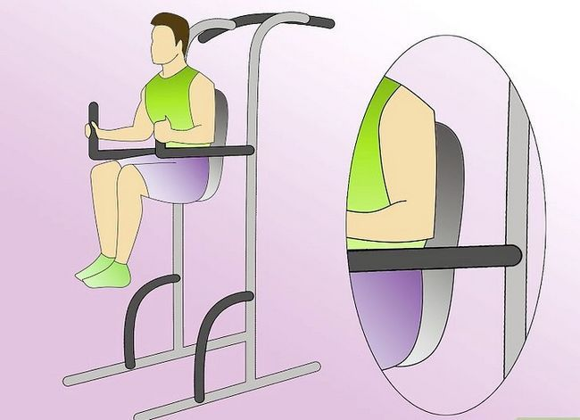 Titel afbeelding Work Abdominals With the Captain`s Chair Step 2