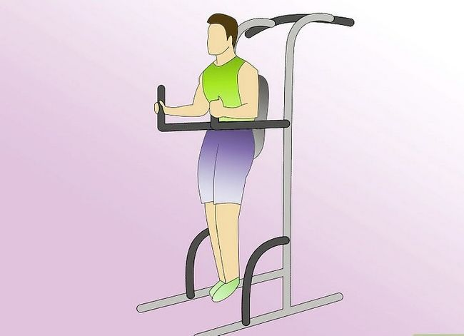 Titel afbeelding Work Abdominals With the Captain`s Chair Step 5