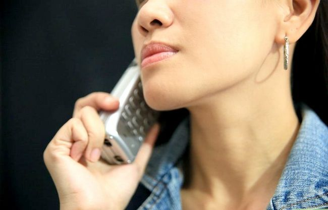 Afbeelding met de titel Not Be Nervous When Speaking to Strangers on the Phone Stap 10