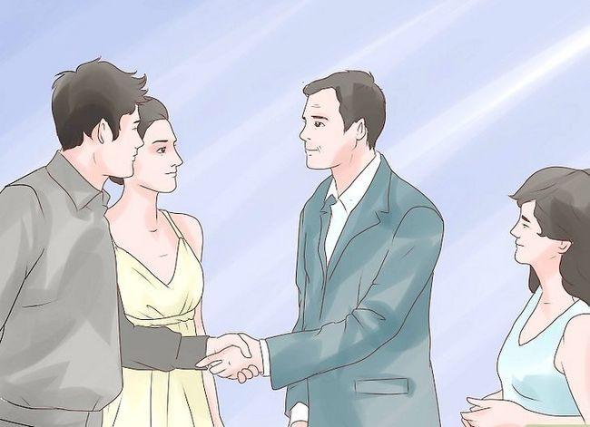 Titel afbeelding Start Talking to Your Parents Over je eerste relatie Stap 7