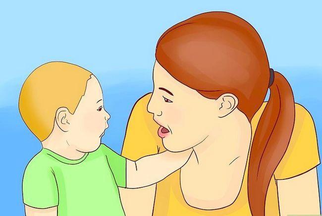 Titel afbeelding Encourage Speech in a Baby Step 7