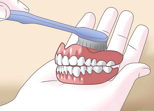 Titel afbeelding Prevent Stains on Dentures Step 18