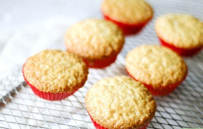 Titel afbeelding Make Vegan Champagne Cupcakes Step 6