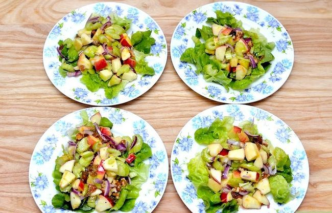 Titel afbeelding Make Celery and Apple Salad Intro
