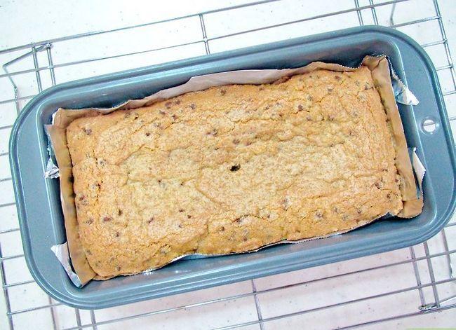 Titel afbeelding Bake Chocolate Chip Bar Cookies Step 9