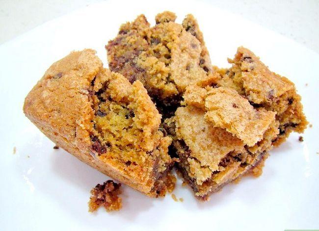 Titel afbeelding Bake Chocolate Chip Bar Cookies Step 10