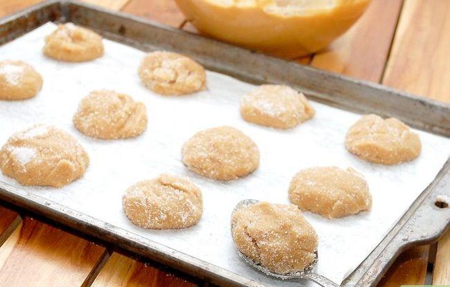 Titel afbeelding Make Peanut Blossom Cookies Step 15