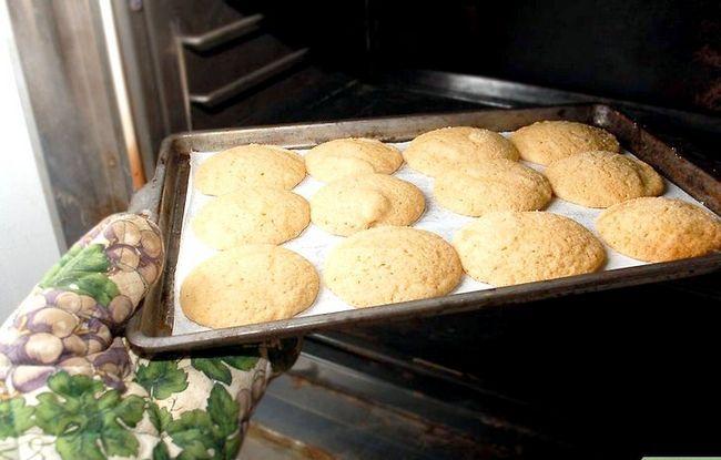 Titel afbeelding Make Peanut Blossom Cookies Step 18