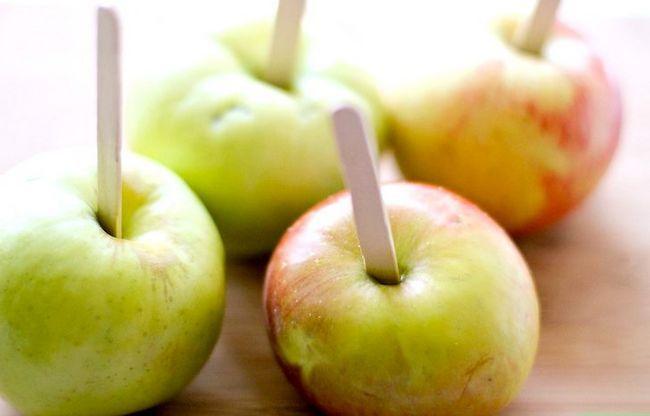 Titel afbeelding Make Caramel Apples Step 2