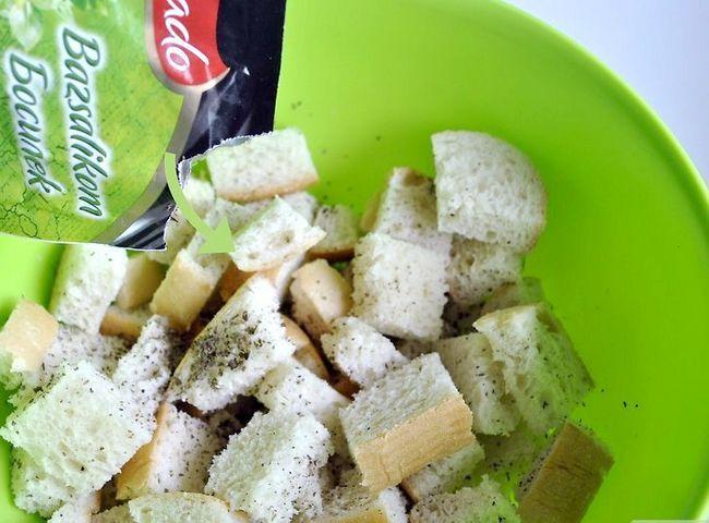 Titel afbeelding Make Salad Croutons Step 4