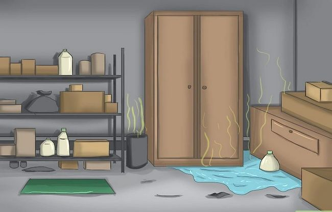 Titel afbeelding Make a Basement Smell Better Step 1