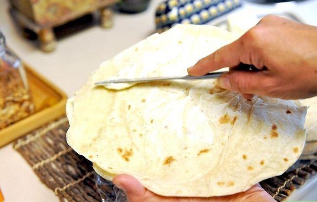 Titel afbeelding Make Easy Quesadillas Step 1