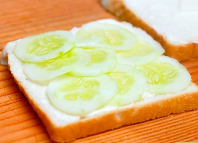 Titel afbeelding Make Cucumber Sandwiches Step 5