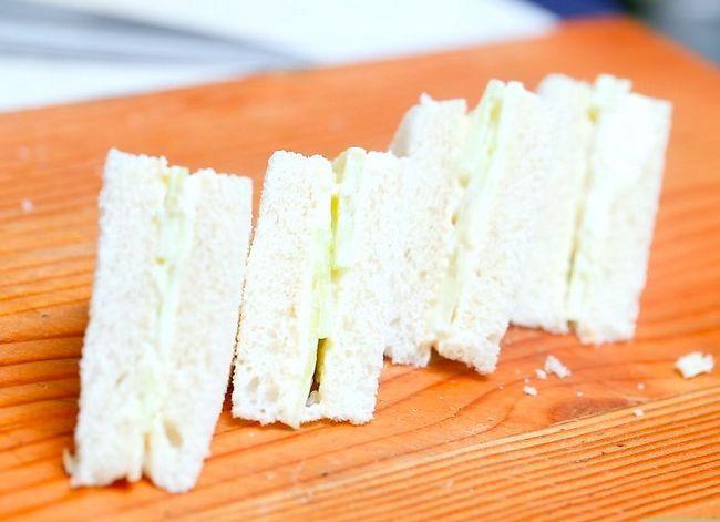 Titel afbeelding Make Cucumber Sandwiches Step 6