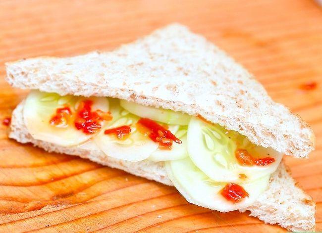 Titel afbeelding Make Cucumber Sandwiches Step 10