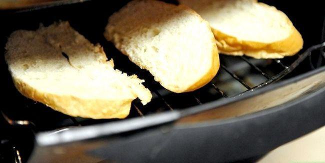 Titel afbeelding Make Garlic Toast Step 6