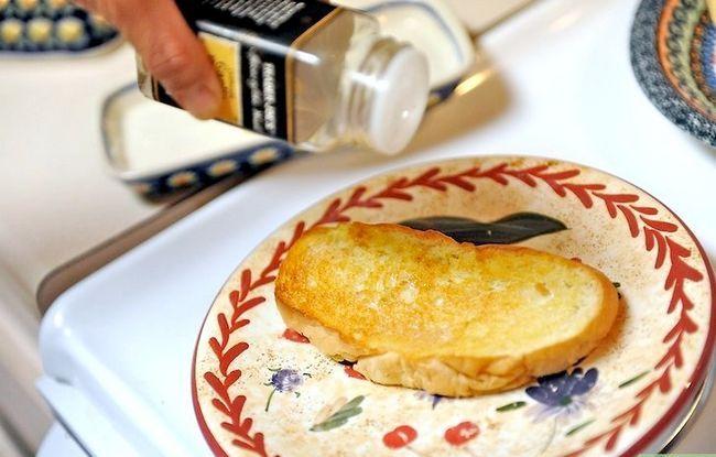 Titel afbeelding Make Garlic Toast Step 9