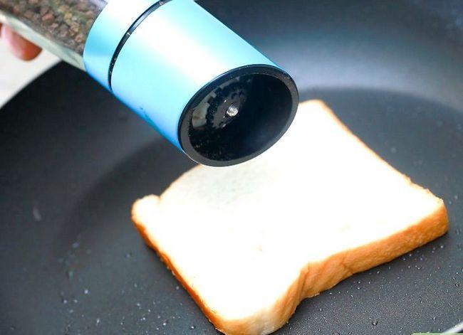Titel afbeelding Cook Fried Bread Step 5