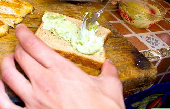 Titel afbeelding Make a Grilled Chicken Sandwich Club Step 4