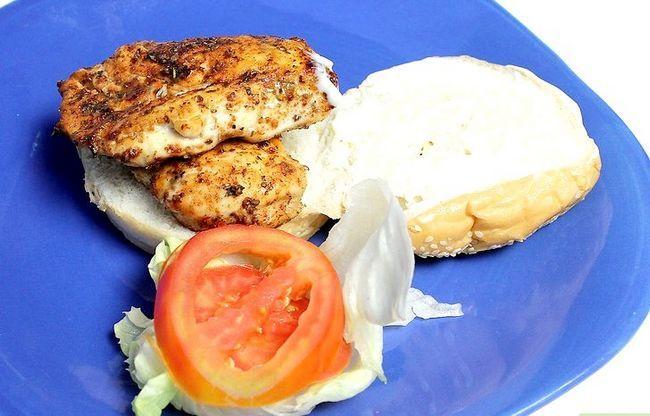 Titel afbeelding Make a Chicken Sandwich Step 16