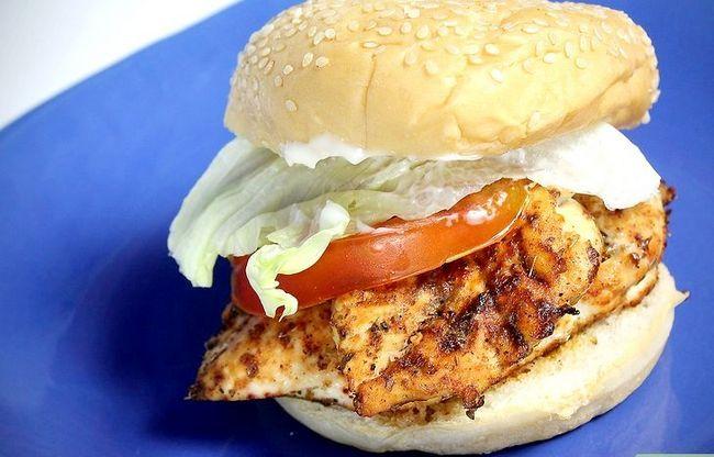 Titel afbeelding Make a Chicken Sandwich Step 17