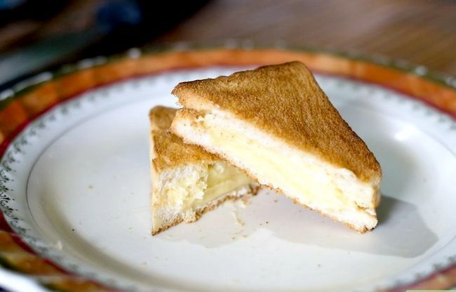 Titel afbeelding Make a & quot; Grilled & quot; Cheese Sandwich in een Broodrooster Oven Intro