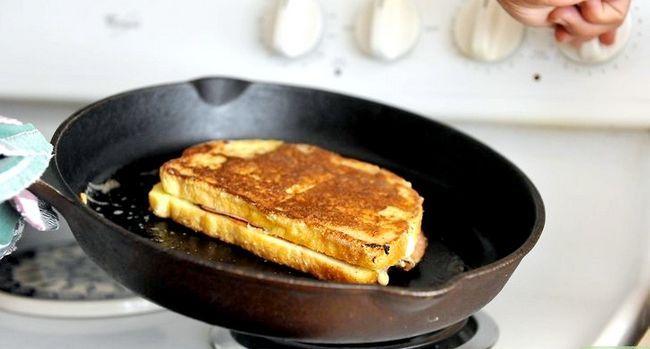 Titel afbeelding Make a Monte Cristo Sandwich Step 7