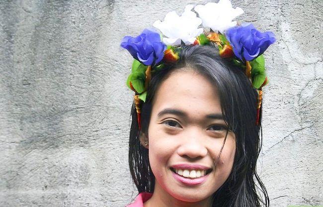 Titel afbeelding Make a Floral Headdress Step 7