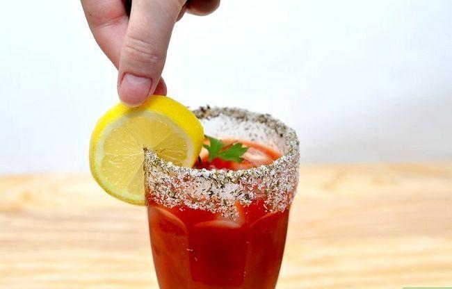 Titel afbeelding Make a Caesar Drink Step 6