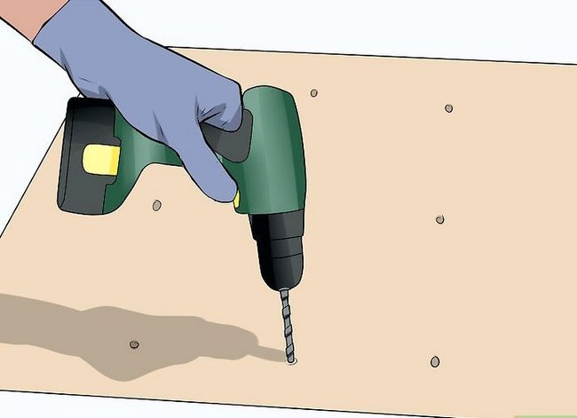 Titel afbeelding Make a Worm Bed Step 13