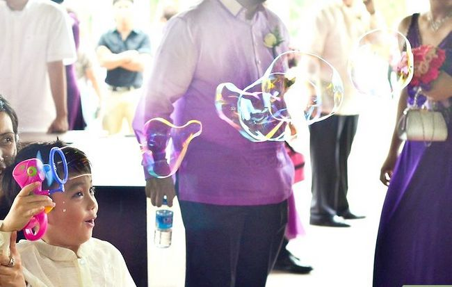 Titel afbeelding Include Stepchildren in a Wedding Step 6