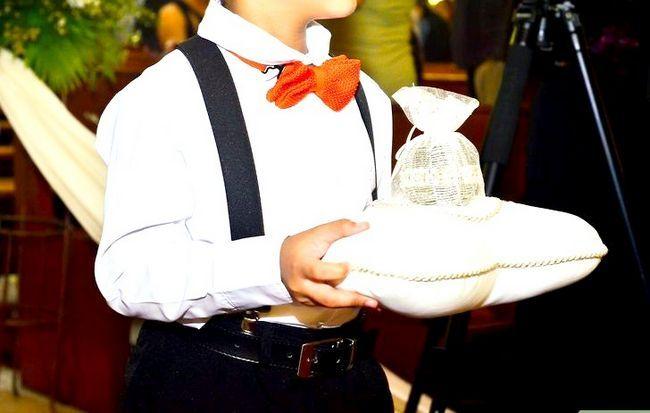 Titel afbeelding Include Stepchildren in a Wedding Step 7