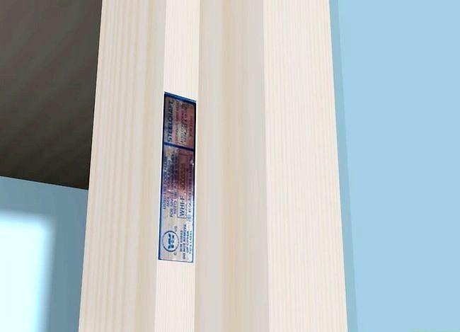 Hoe zegels of zegels tegen rook in een branddeur te installeren