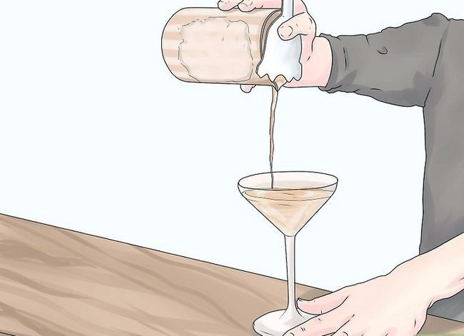 Titel afbeelding Make More Tips as Bartender Step 3