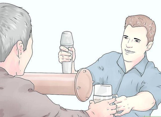 Titel afbeelding Make More Tips as Bartender Step 6