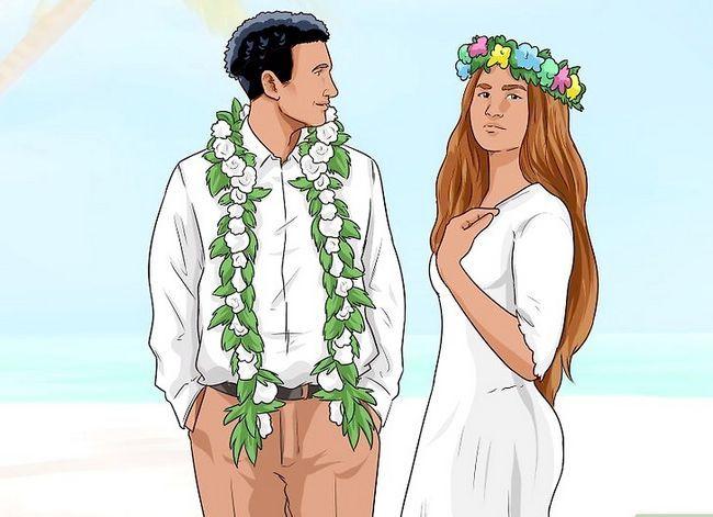 Titel afbeelding Throw a Hawaiian Wedding Reception Step 1